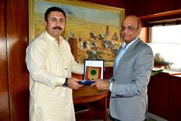 Chairman PQA presenting souvenir - 3